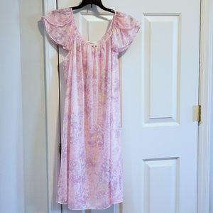 Miss Elaine M Silk Essence Polyester Nightgown New